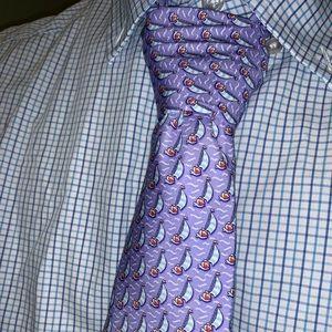 Men's vineyard vines tie. New and never worn.